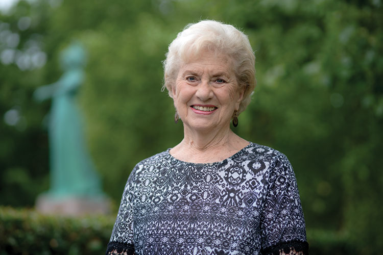 photo of DOT KENDALL KEARNS '53, '74 MEd