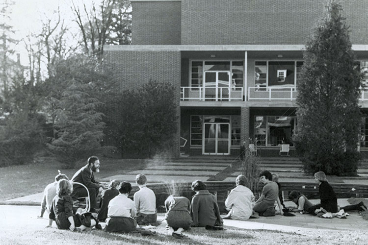 photo of Randall Jarell teaching class outside